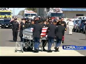 Flag-draped casket of Turlock soldier arrives home - YouTube