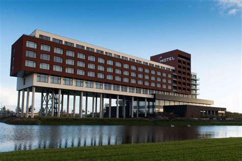 Van Der Valk Hotel Zwolle  Weekendjeweg. The Mug House Inn. City-Hotel Aschaffenburg. Okuikaho Ryotei Kaichoro Ryokan. Hotelito Escondido. East Broadway Suite B Apartments. Estate Spa Boutique Hotel. Marina Byblos Hotel. Casa Delfino Hotel