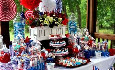Patriotic 4th of July Decorations & Table Centerpieces   FFTK