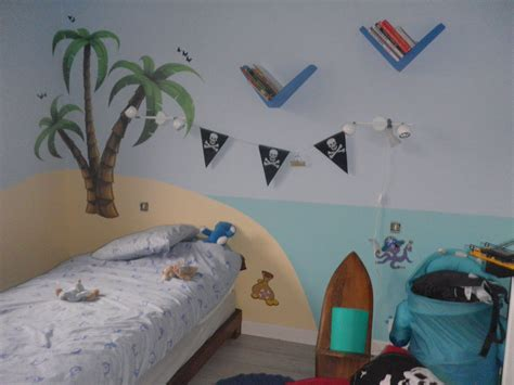 chambre pirate chambre pirate photo 1 3 3 couleurs peind avec mes mimines qq stickers