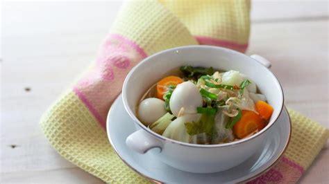 Bahan dasar sayur sop yang dibutuhkan juga terbilang gampang untuk kita dapatkan, dan cara membuatnya terbilang cukup mudah. Resep Sayur Sop Telur Puyuh - Lifestyle Fimela.com