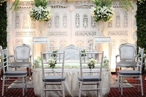 jasa dekorasi pelaminan eropa  surabaya wedding