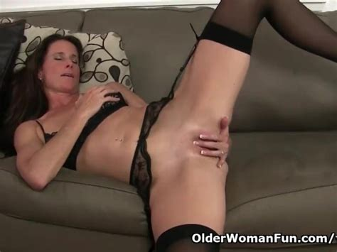 Us Milf Sofie Will Spoil You With Her Shaven Pussy Free