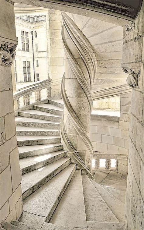 l escalier du chateau de chambord escaliers du chateau de chambord l escalier circulaire central du ch 226 teau de chambord