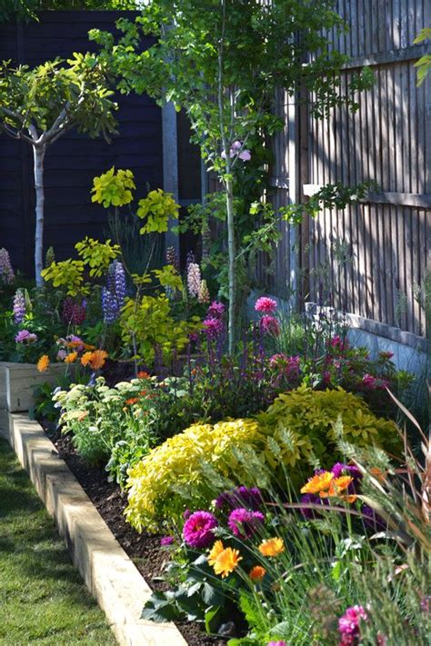 39202 flower bed borders 101297 best images about great gardens ideas on