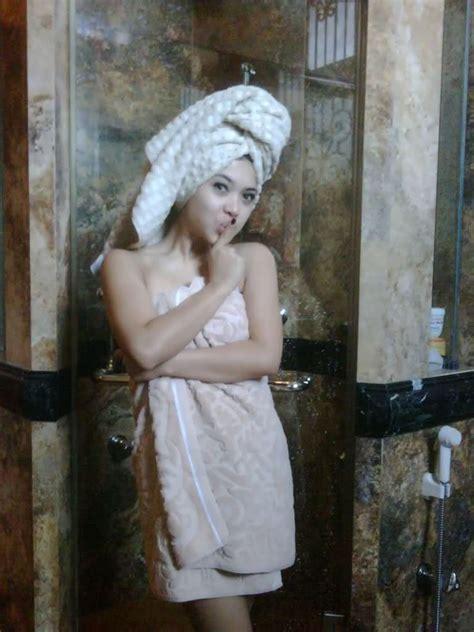 Hebohnya Foto Hot Panas Syahrini Dugem ~ Berita Artis Hot