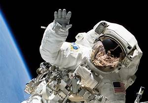 Astronauts' Fingernails Falling Off Due to Glove Design