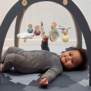 Baby Erstausstattung Kaufen : sebra spielbogen baby gym aus holz ab 3 monate 55x55x84 ~ A.2002-acura-tl-radio.info Haus und Dekorationen