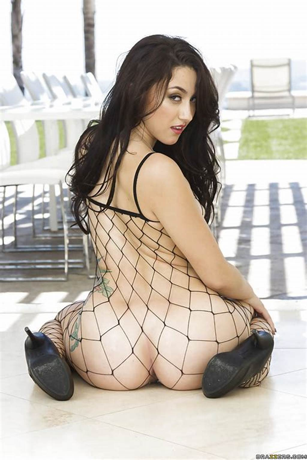#Brunette #Babe #With #A #Perfect #Ass #Mandy #Muse #In #Fishnet