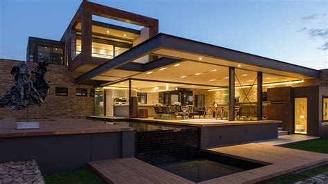 Modern Houses : This Contemporary Mansion In South Africa Blends Luxury