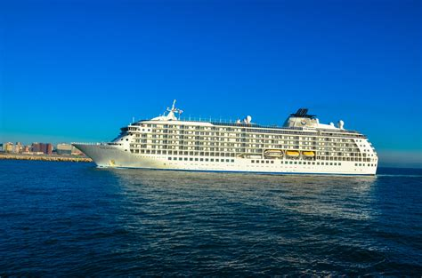 U0026quot;The Worldu0026quot; Cruise Ship Arrives In Durban - 5 Star Durban - Showcasing Beautiful KwaZulu-Natal