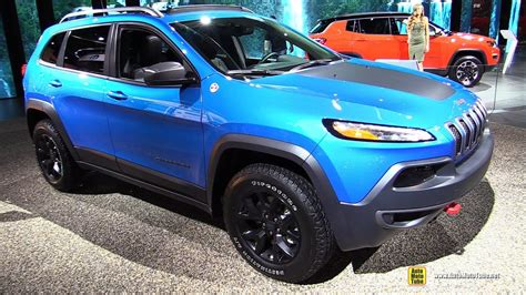 jeep trailhawk blue 2017 jeep cherokee trailhawk exterior and interior