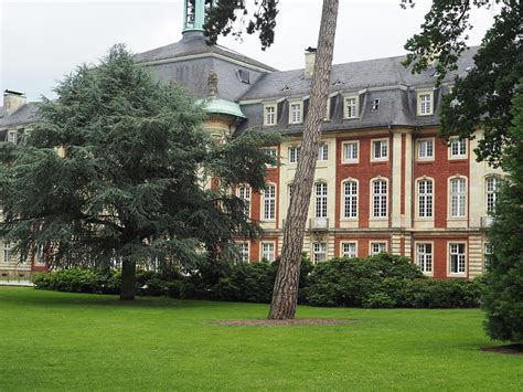 Garten Kaufen Münster by Skulpturenausstellung Im Botanischer Garten In M 252 Nster