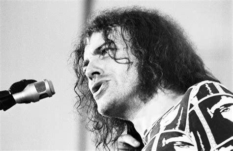the best of joe cocker live joe cocker dies at 70 his 5 most memorable songs who
