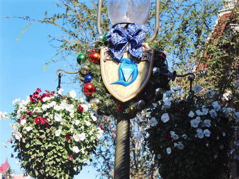 Disneyland During The Holidays  Simply Sinova
