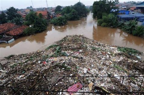 sungai  jakarta bebas sampah bener nih republika
