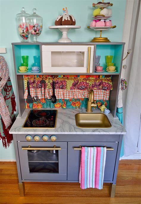 cuisine ikea duktig ikea mini kitchen makeover hack visual vocabularie