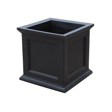 Mayne Fairfield 28 In Black Plastic Square Planter8800b