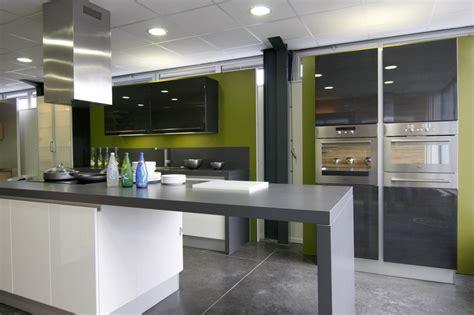 cuisine et gris cuisine vert d eau et gris divers besoins de cuisine