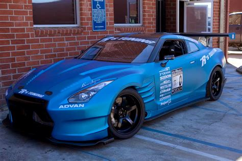 biru alza oto motif mobil sport warna biru muda model terbaru