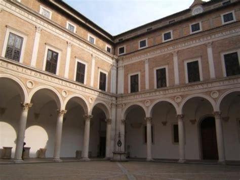 Cortile Palazzo Ducale Urbino by Cortile Palazzo Ducale Foto Di Urbino Provincia Di
