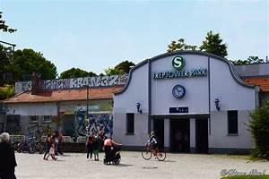 Treptower Park Restaurant : treptower park s bahn subway station berlin ~ A.2002-acura-tl-radio.info Haus und Dekorationen