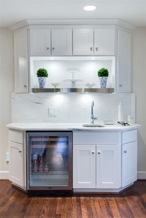 Wolf Classic Cabinets Dartmouth by Wolf Dartmouth Cabinets In White Featured In A Dallas