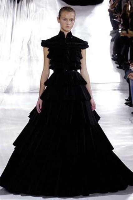 stylish  dramatic black wedding dresses weddingomania