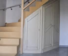 Penderie Sous Escalier am 233 nagement sous escalier fabrication meuble en bois