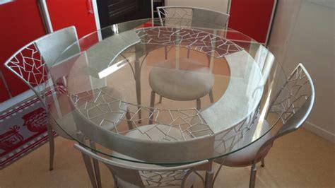 table en fer forge avec plateau verre 4 chaises clasf
