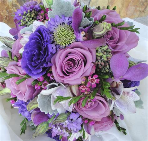hand tied bouquetmixed spring  include cool water