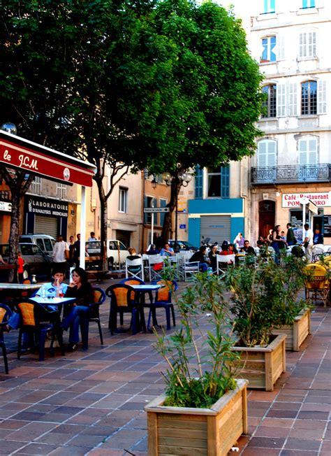 Place De Lenche — Wikipédia