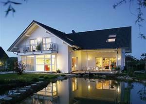 Schöne Bungalows Bauen : klassisch l form satteldach freiraum f r freiheit modernes einfamilienhaus von gussek modern ~ Indierocktalk.com Haus und Dekorationen
