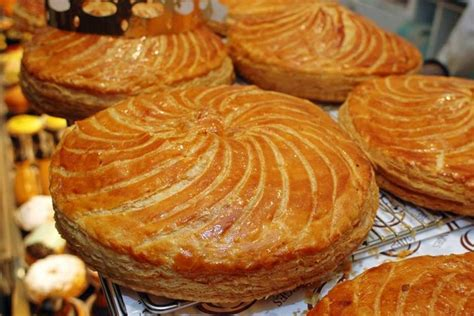 la galette des rois a traditional cake recipe