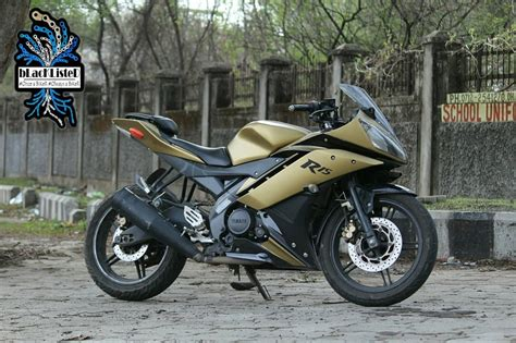R15 Bike Modified by Yamaha R15 V2 Wrapped In Matt Gold Matt Black By