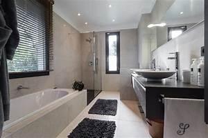 maison d39architecte contemporain salle de bain nice With salle de bain maison