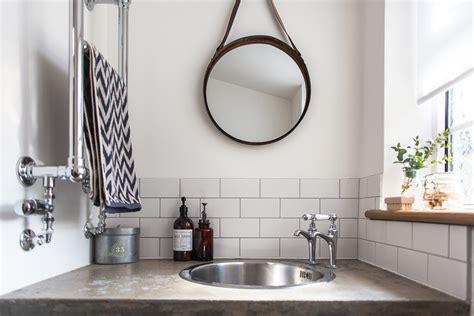 9 Basic Types Of Mirror Wall Decor For Bathroom