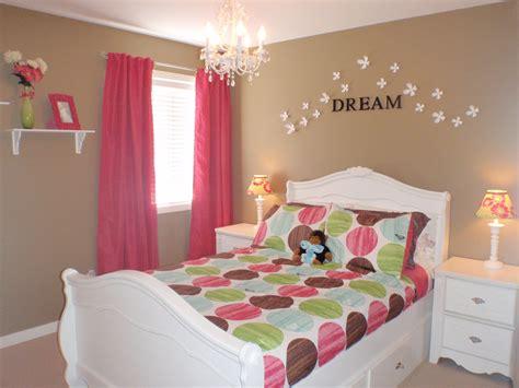 idea  cream walls  pops  colorhot