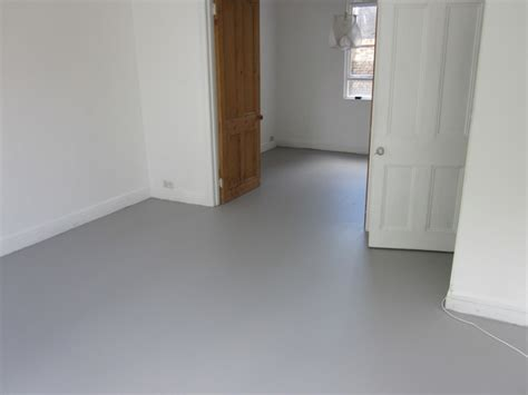 Poured Rubber Flooring Uk by Seamless Resin Floors Poured Rubber Comfort Flooring For