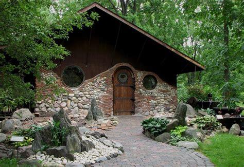 10 Unique Houses In The Hobbit Style by Hobbit House 10 8778 The Wondrous Pics