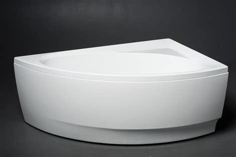 Materiale Vasca Da Bagno by Idea L Wht La Vasca Da Bagno Ad Angolo Di Aquatica In