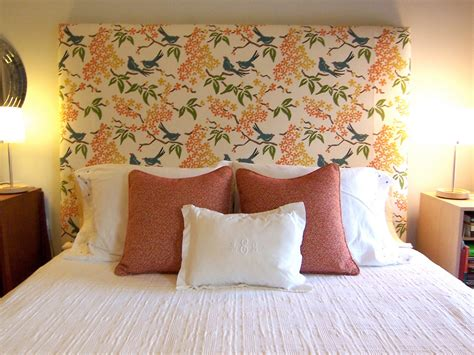 White Accent Pillows For Bed by Throw Pillows On A Bed An Update Interior Design By