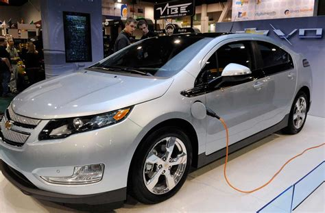Last Call For Electric Car Tax Credit