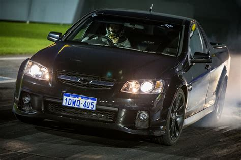 Holden GTS-R specs, 0-60, lap times, performance data ...