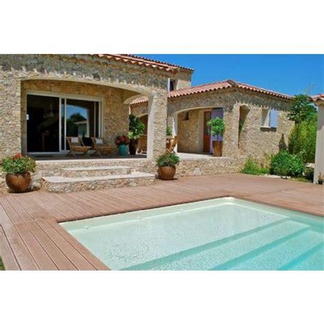piscine en bois carree une piscine en bois carr 233 e esth 233 tique et pratique