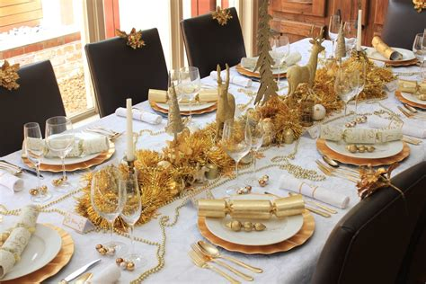 christmas table traditional gold and white design chic