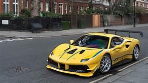 Ferrari 488 Challenge : ferrari 488 challenge in london youtube ~ Medecine-chirurgie-esthetiques.com Avis de Voitures
