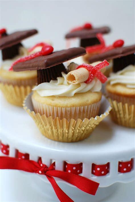 top   class diy graduation cupcake toppers