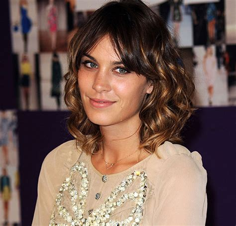 alexa lights up but doesn t respond alexa chung shock she leaves make up on at night
