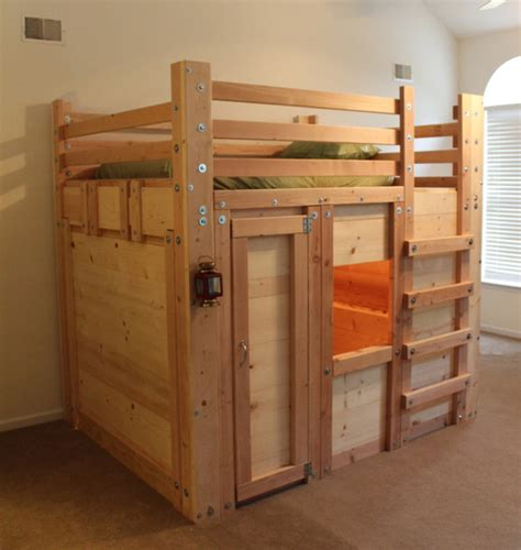 queen sized bed fort  twin mattress rustic kids